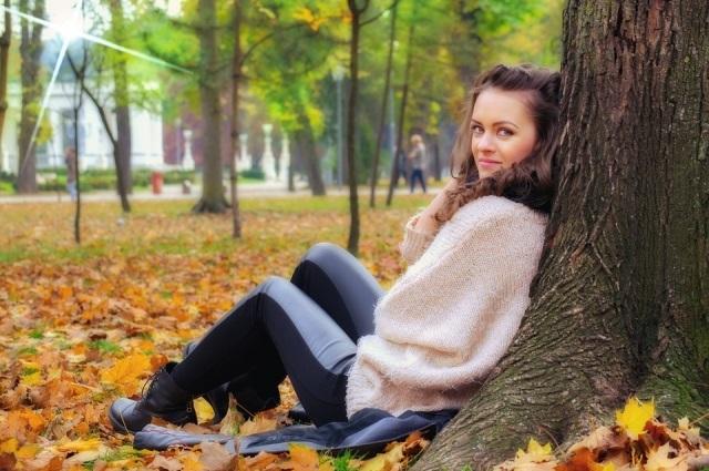 Идеи для фотосессии осенью на улице с зонтиком 15