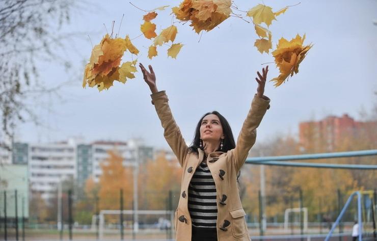 Идеи для фотосессии осенью на улице с зонтиком 21