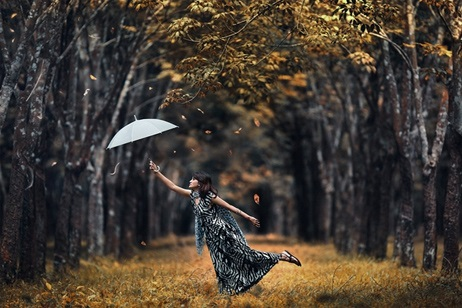 Идеи для фотосессии осенью на улице с зонтиком 27