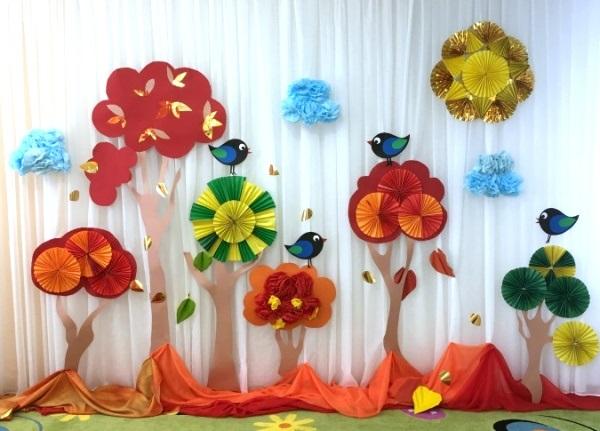 Идея осень украшение зала в детском саду 13