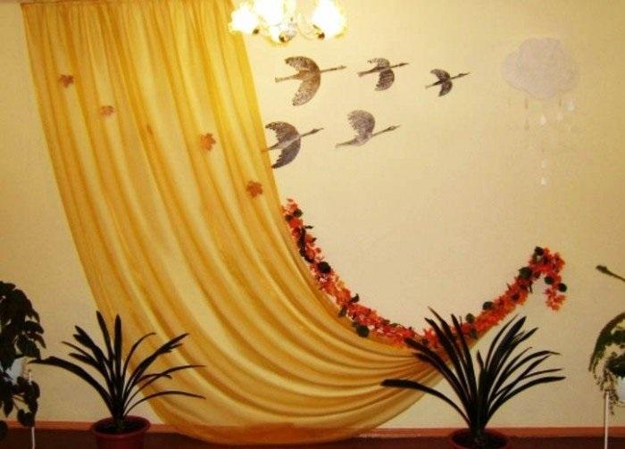 Идея осень украшение зала в детском саду 16