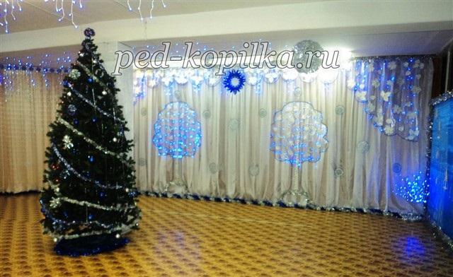 Идея украшение зала в детском саду в новый год 10