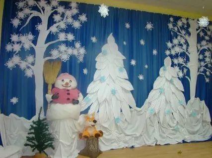 Идея украшение зала в детском саду в новый год 19