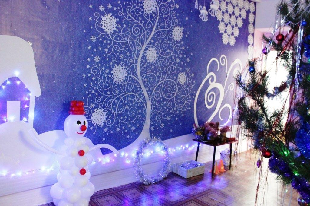Идея украшение зала в детском саду в новый год 24
