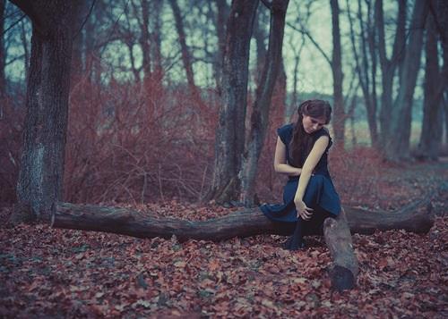 Крутые идеи фотосессии в осеннем лесу 23