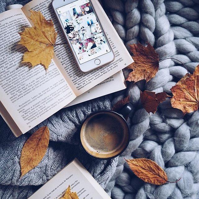 Милые фото девушки осенью с кофе 02