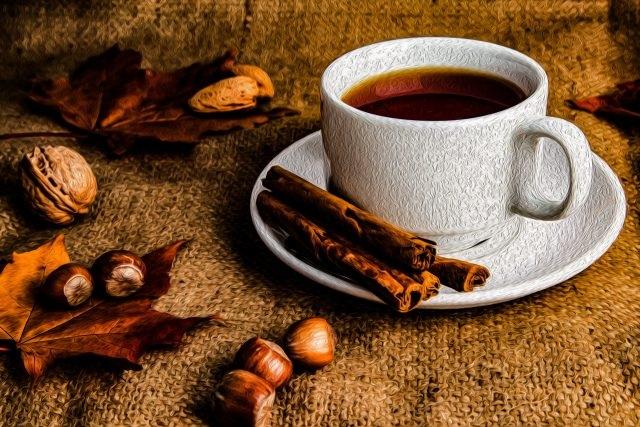 Милые фото девушки осенью с кофе 10