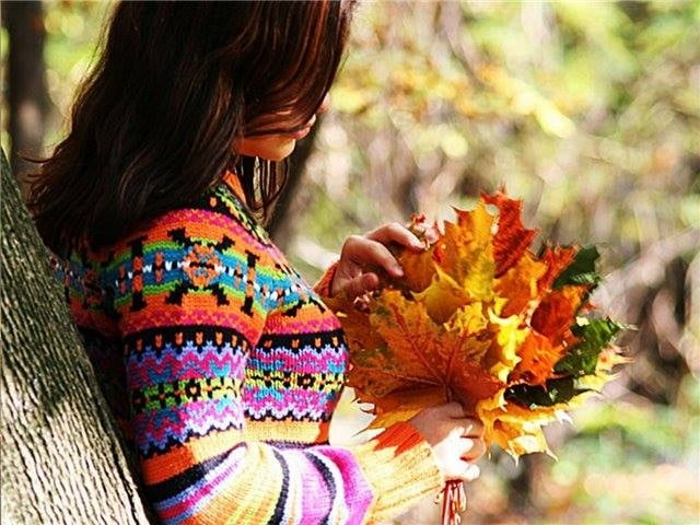 Милые фото девушки осенью с кофе 14
