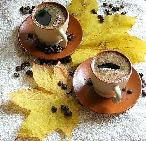 Милые фото девушки осенью с кофе 15