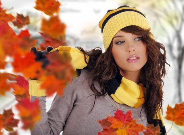 Милые фото девушки осенью с кофе 26