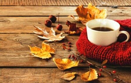 Милые фото девушки осенью с кофе 27
