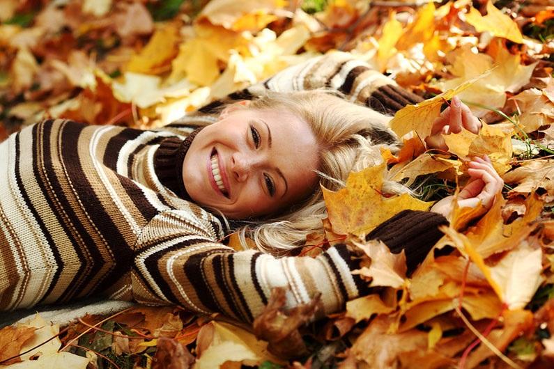 Осенью в пальто идеи для фотосессии 05