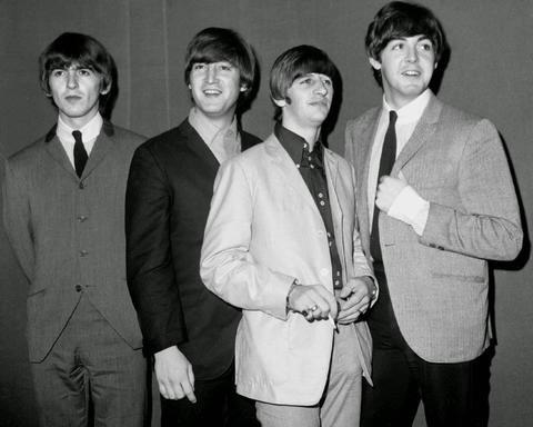 Красивые картинки на Всемирный день «The Beatles» 06