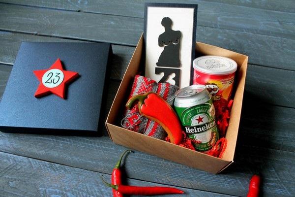 Оригинальный подарок мужчинам на работе на 23 февраля (25 фото) 25