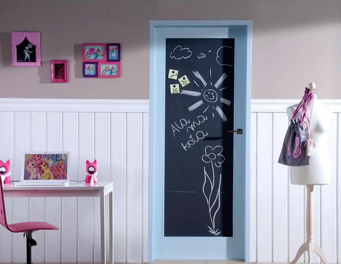 Фото, картинки дверей в детскую комнату 01