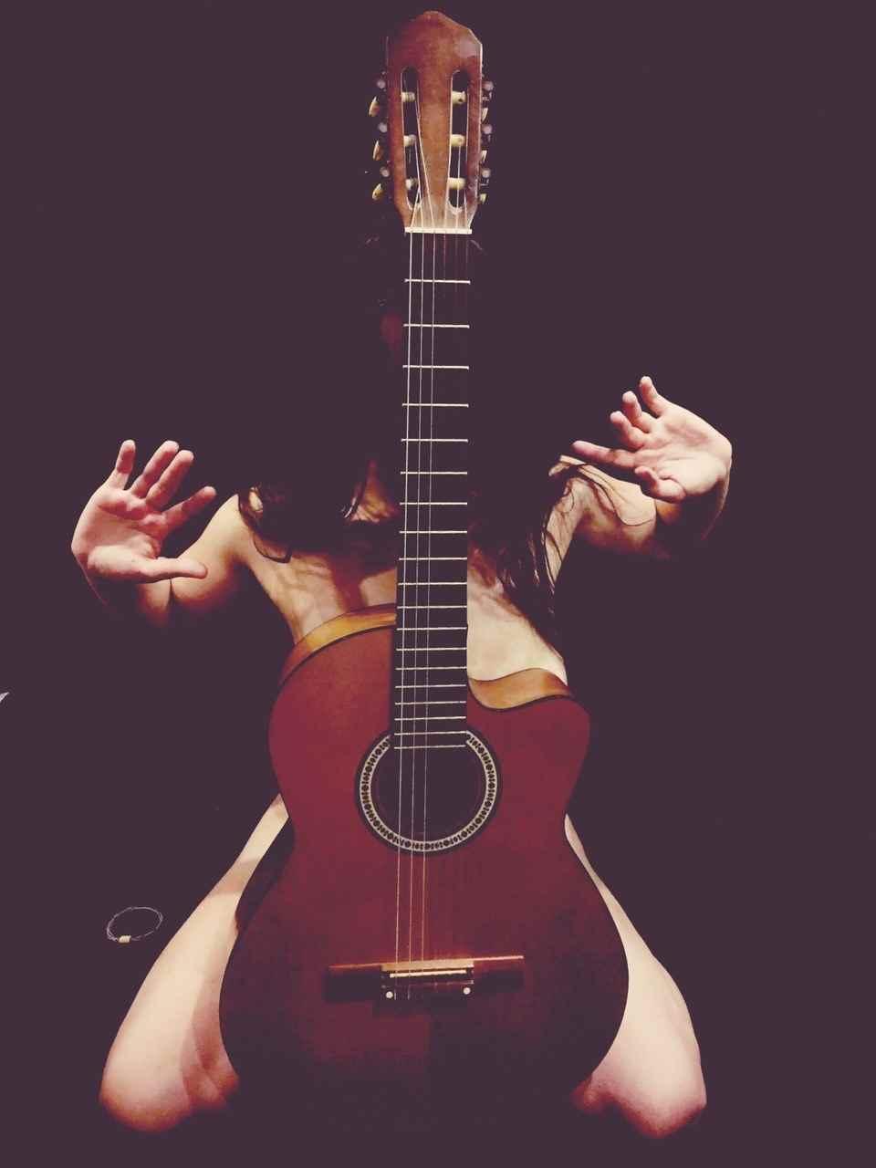 Красивая девушка с гитарой фото, картинки 07