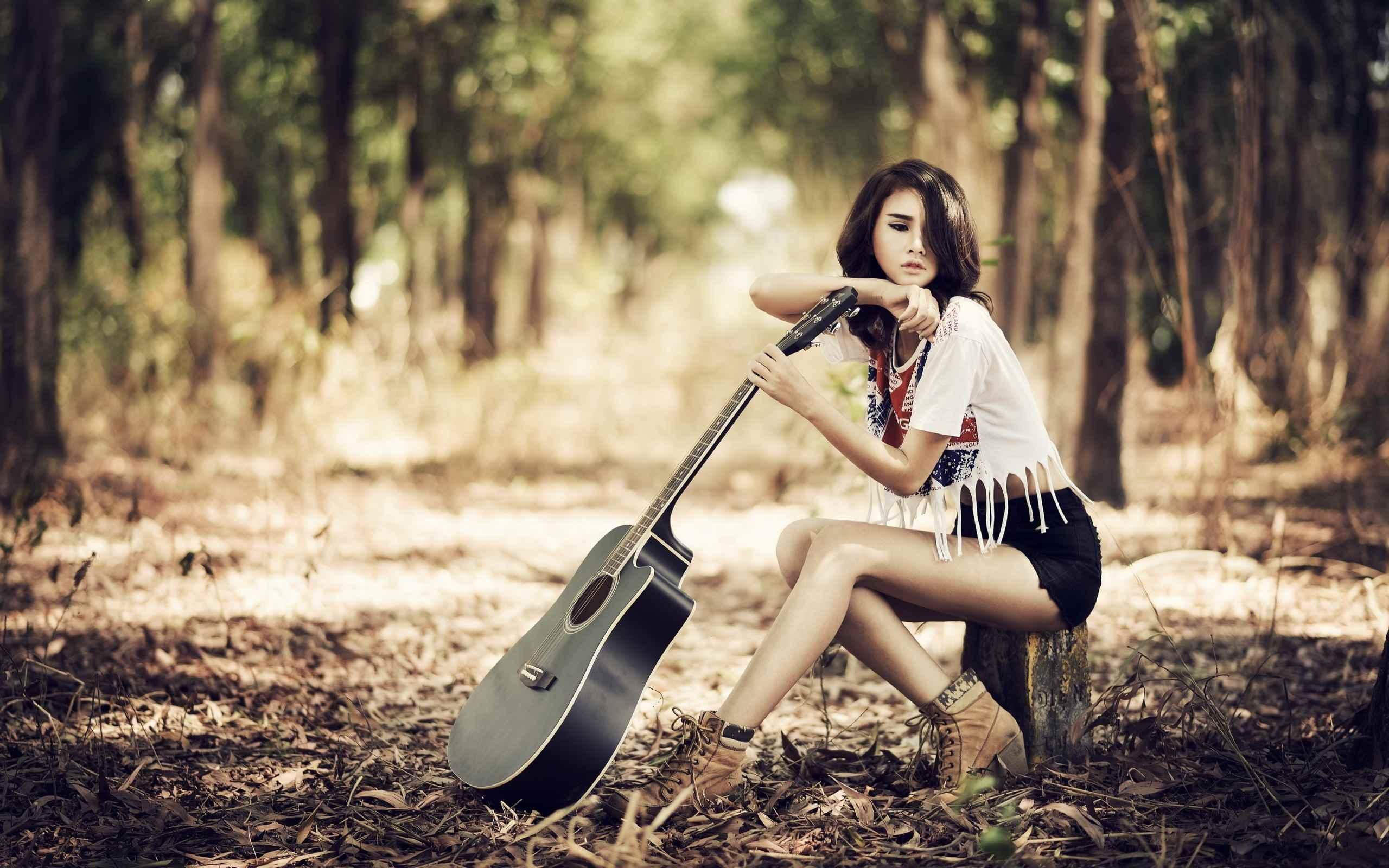 Красивая девушка с гитарой фото, картинки 12
