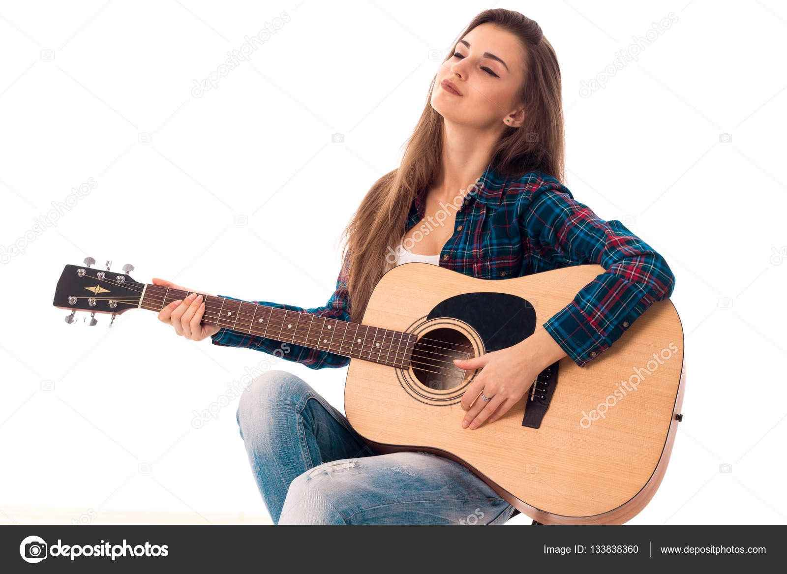 Красивая девушка с гитарой фото, картинки 14