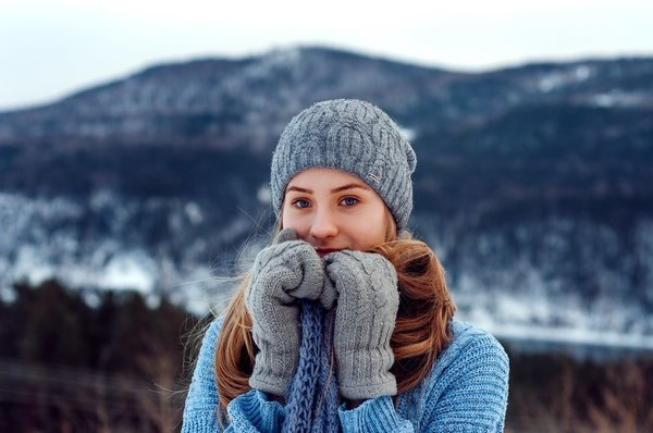 Красивые девушки фото в шапке (1)