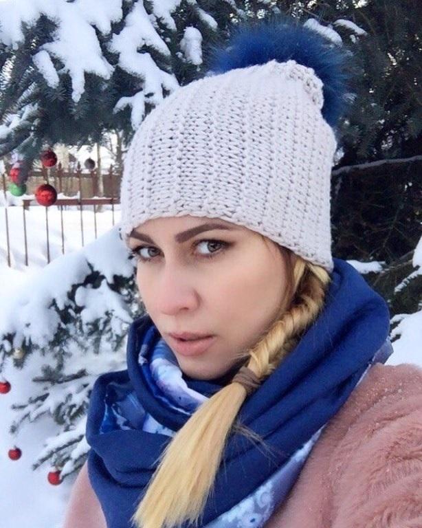 Красивые девушки фото в шапке (10)