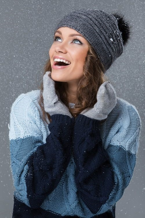 Красивые девушки фото в шапке (13)