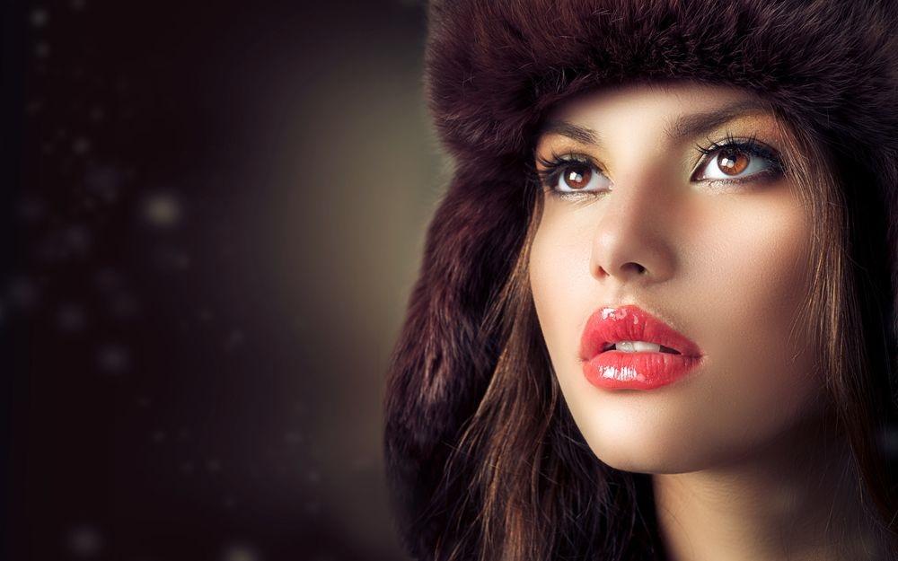 Красивые девушки фото в шапке (19)