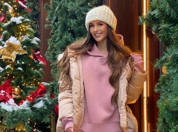 Красивые девушки фото в шапке (20)