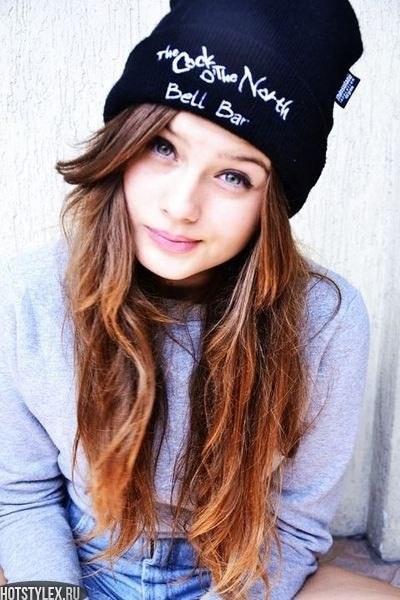 Красивые девушки фото в шапке (21)