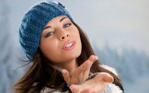 Красивые девушки фото в шапке (28)