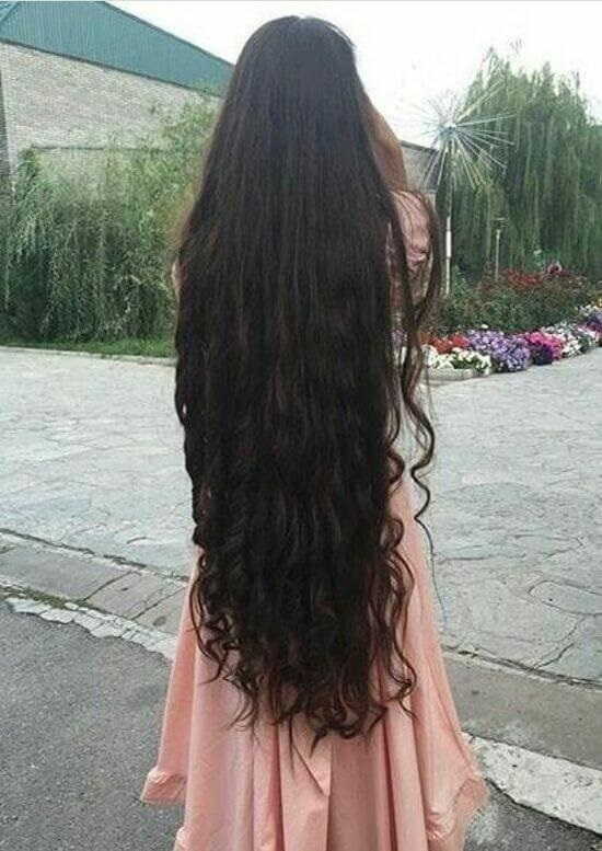 Девушка спиной с длинными волосами фото 2021 (11)