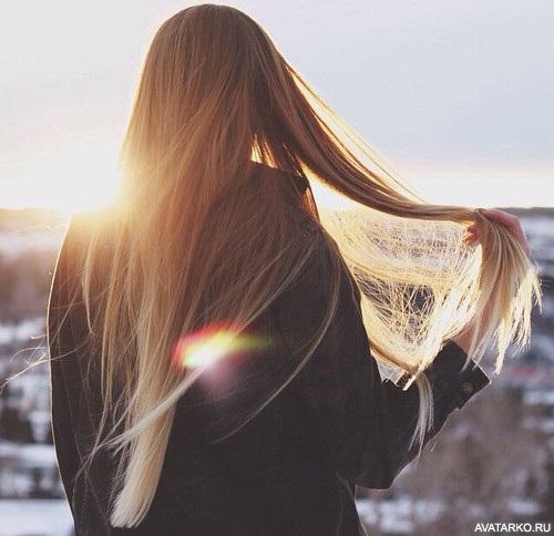 Девушка спиной с длинными волосами фото 2021 (30)