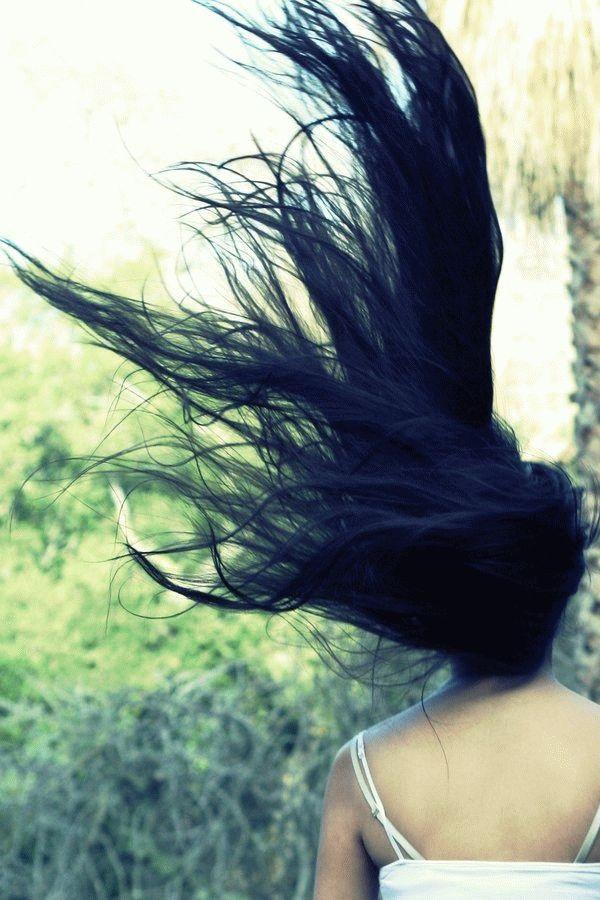 Девушка спиной с длинными волосами фото 2021 (8)