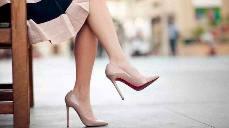 Красивые фото ножек в туфельках (24)