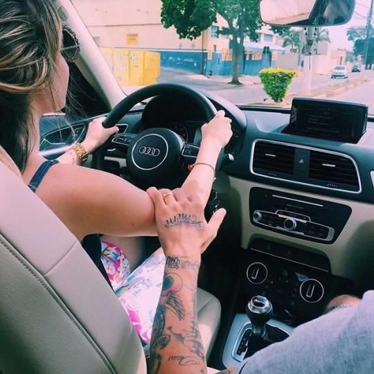 Лучшие фото девушка и парень за рулем (4)