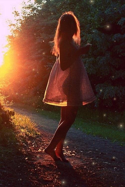 Романтичные фото девушек без лица (15)