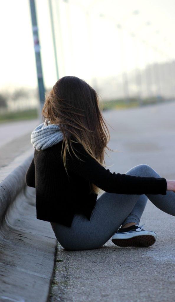 Романтичные фото девушек без лица (24)
