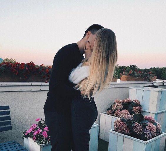 Романтичные фото девушек без лица (27)
