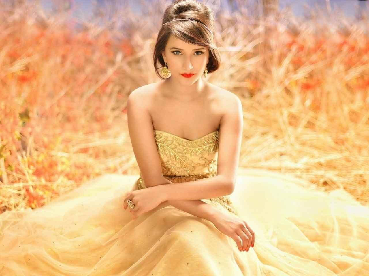 Очень красивые картинки девочки в платье 01